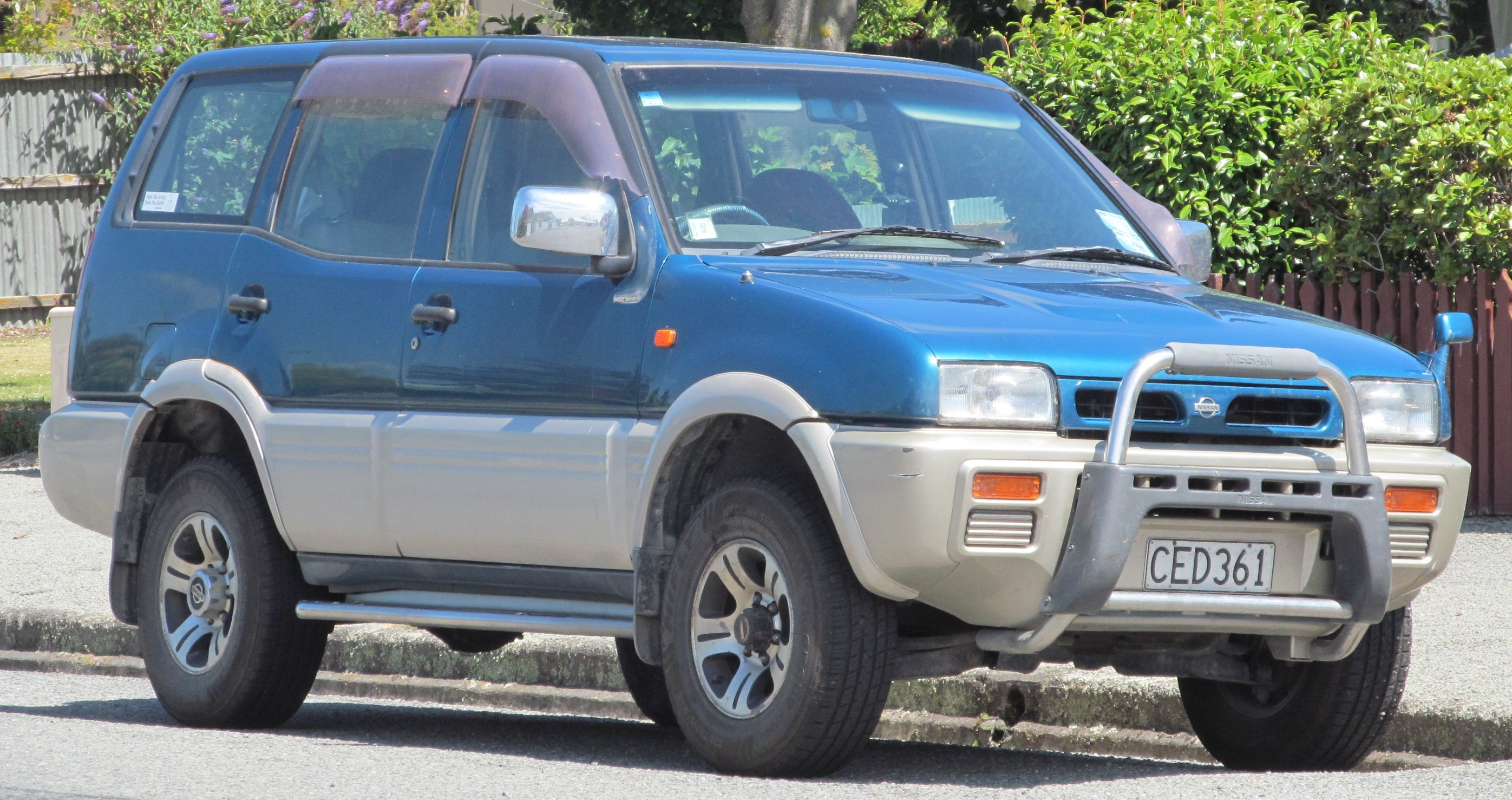 Nissan Mistral 1993 - 1999 SUV 3 door #2