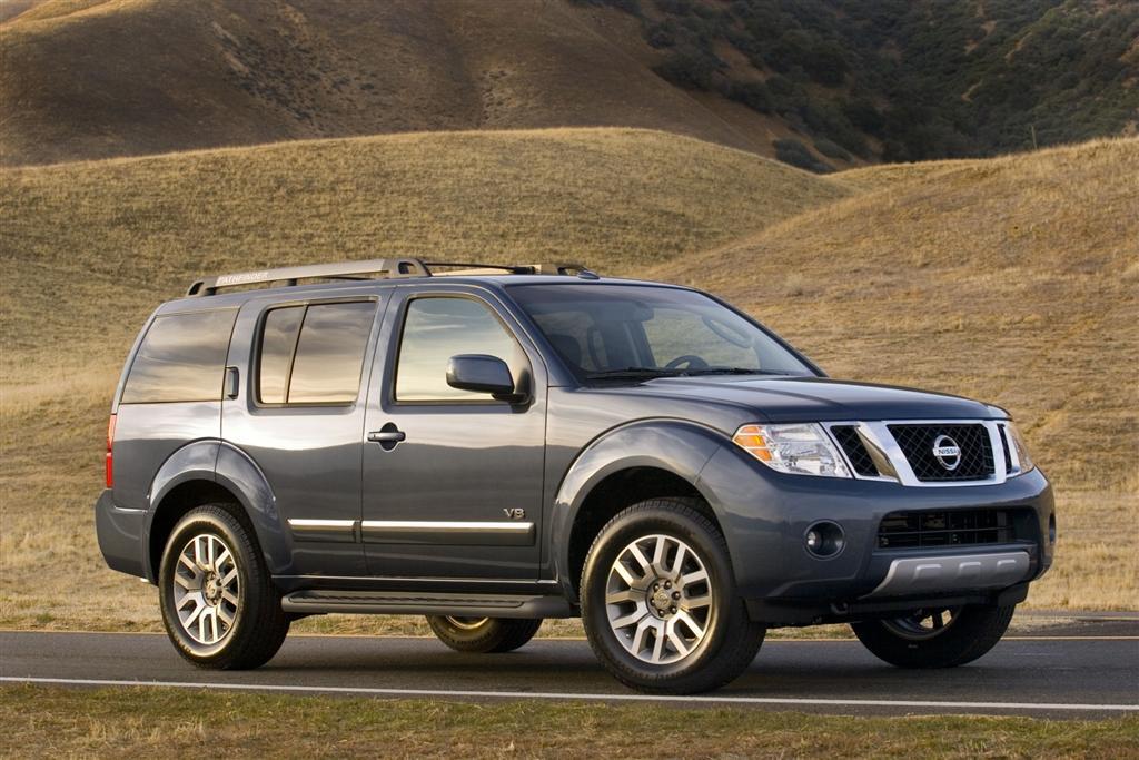 Nissan Pathfinder III 2004 - 2010 SUV 5 door #1