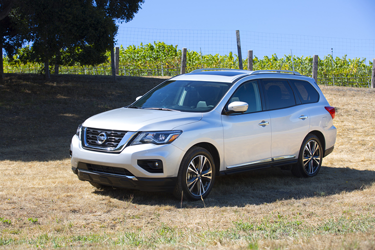 Nissan Pathfinder IV Restyling 2016 - now SUV 5 door #6