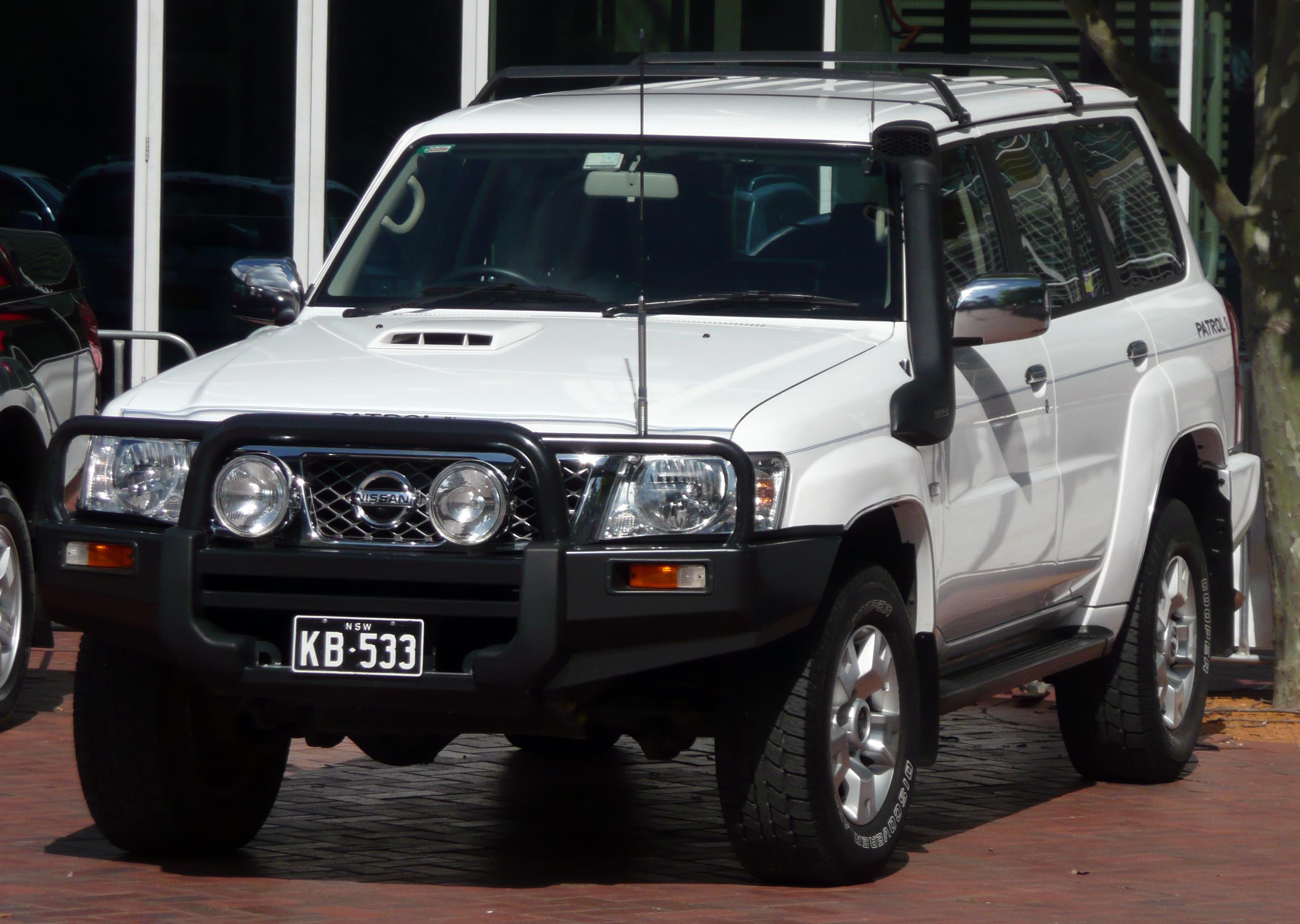 Nissan Patrol V (Y61) Restyling 2004 - now SUV 3 door #1