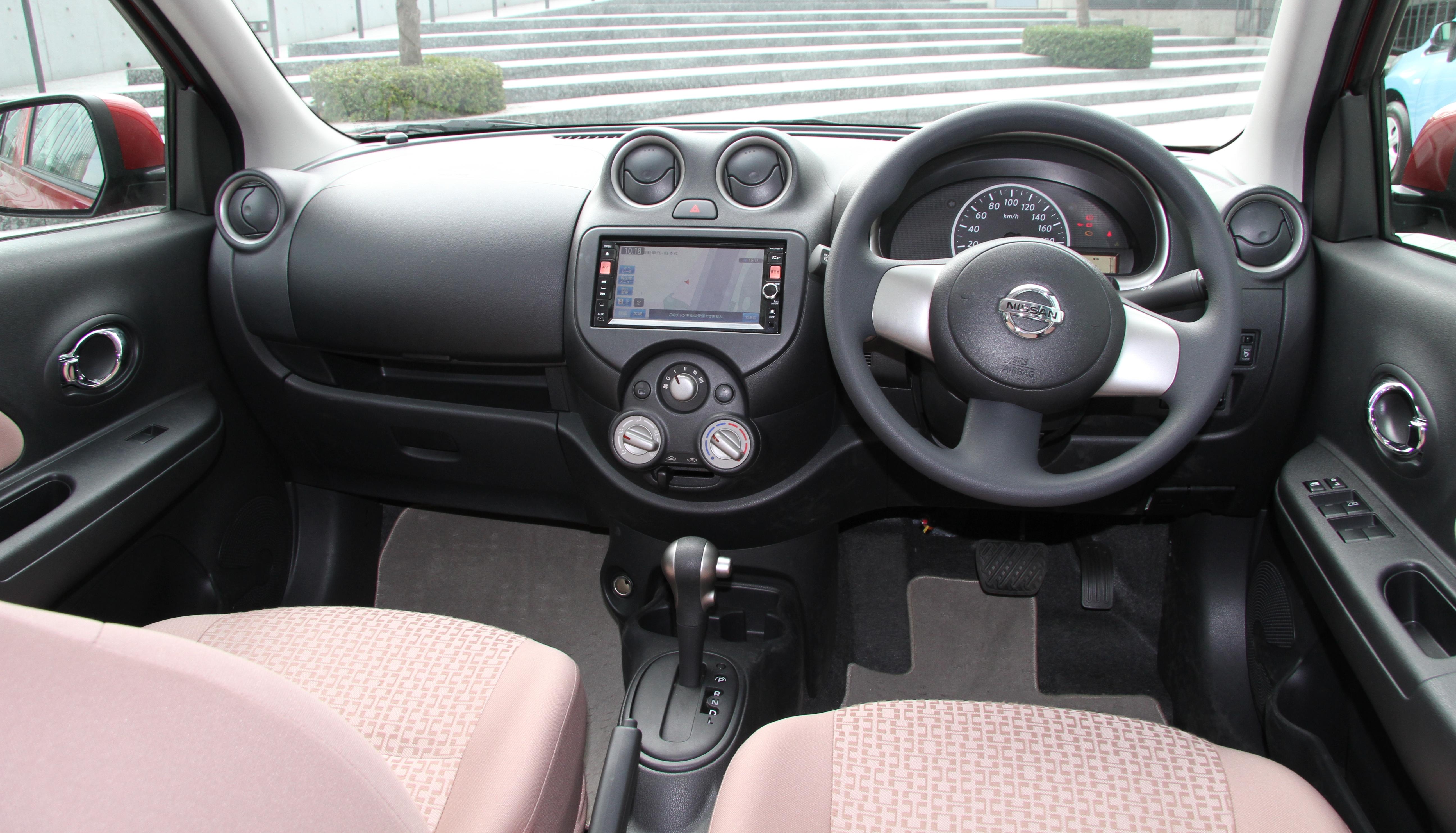 Nissan Pixo 2008 - 2013 Hatchback 5 door #2