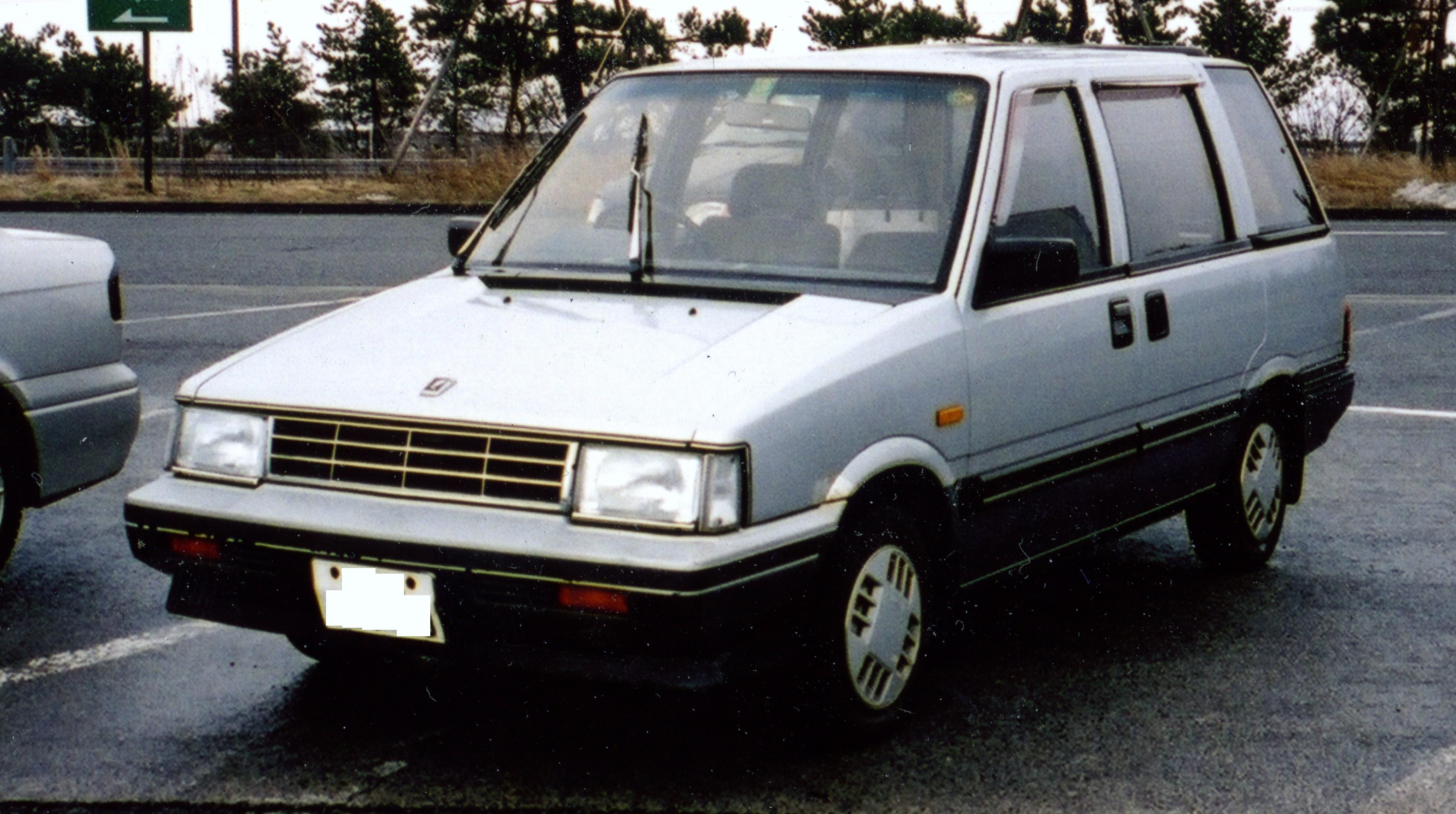 Nissan Prairie II (M11) 1988 - 1998 Compact MPV #2