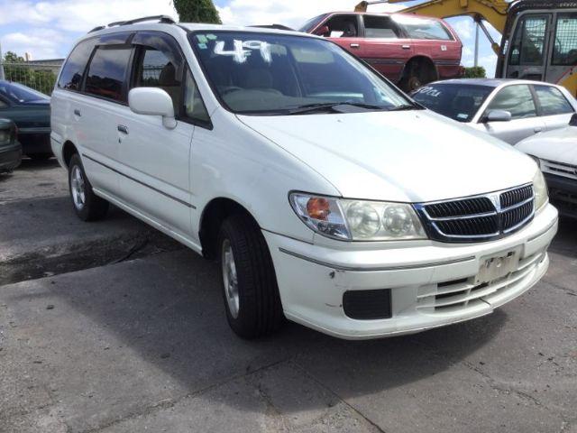 Nissan Presage I 1998 - 2003 Minivan #1