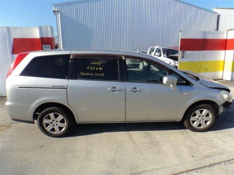 Nissan Presage II 2003 - 2009 Minivan #3