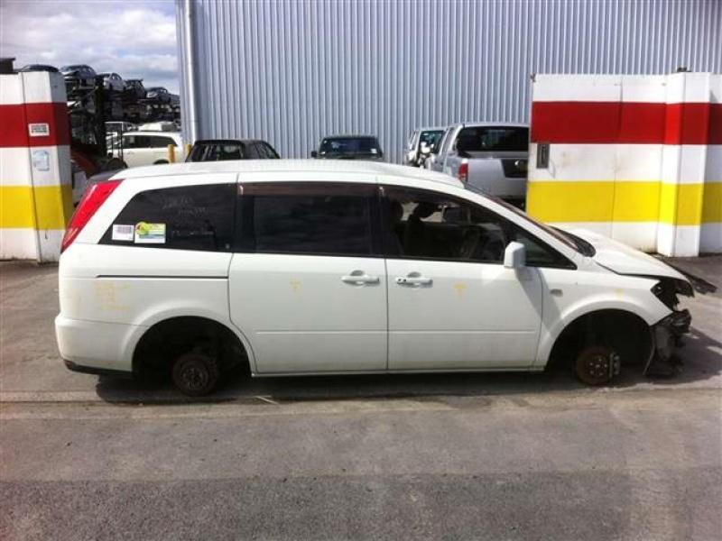Nissan Presage II 2003 - 2009 Minivan #2
