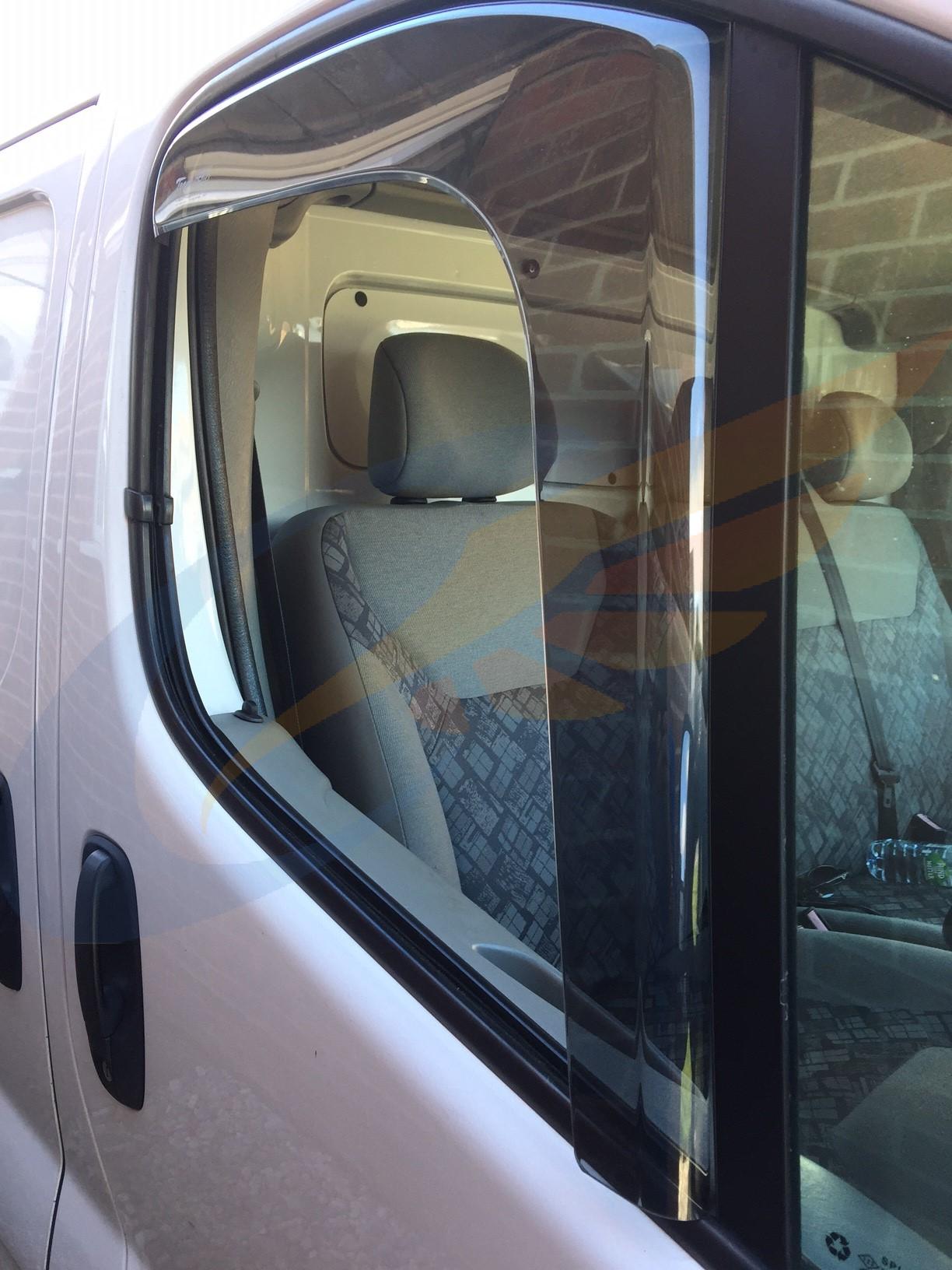 Nissan Primastar 2001 - 2014 Minivan #2