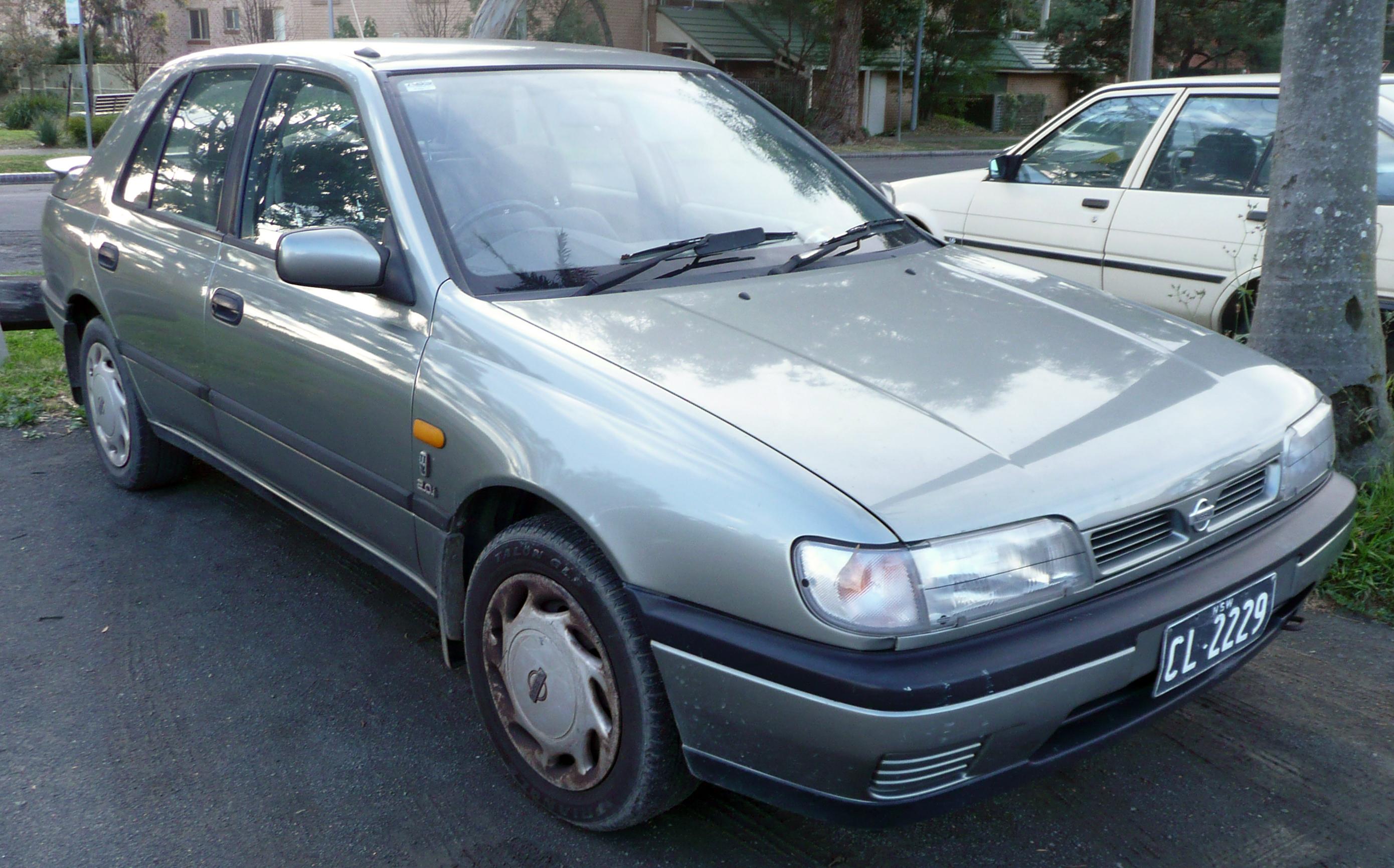 Nissan Sunny N14 1990 - 1995 Hatchback 5 door #5