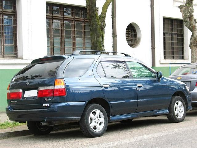Nissan R'nessa 1997 - 2001 Station wagon 5 door #2