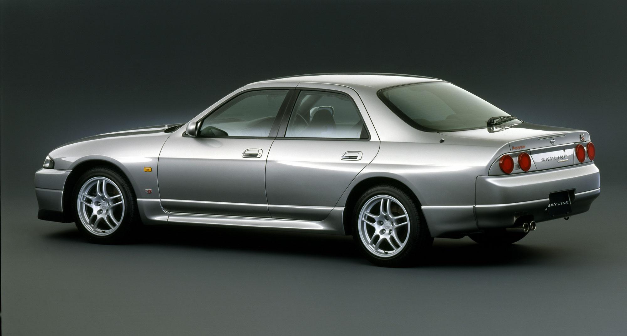 Nissan Skyline IX (R33) 1993 - 1998 Sedan #8