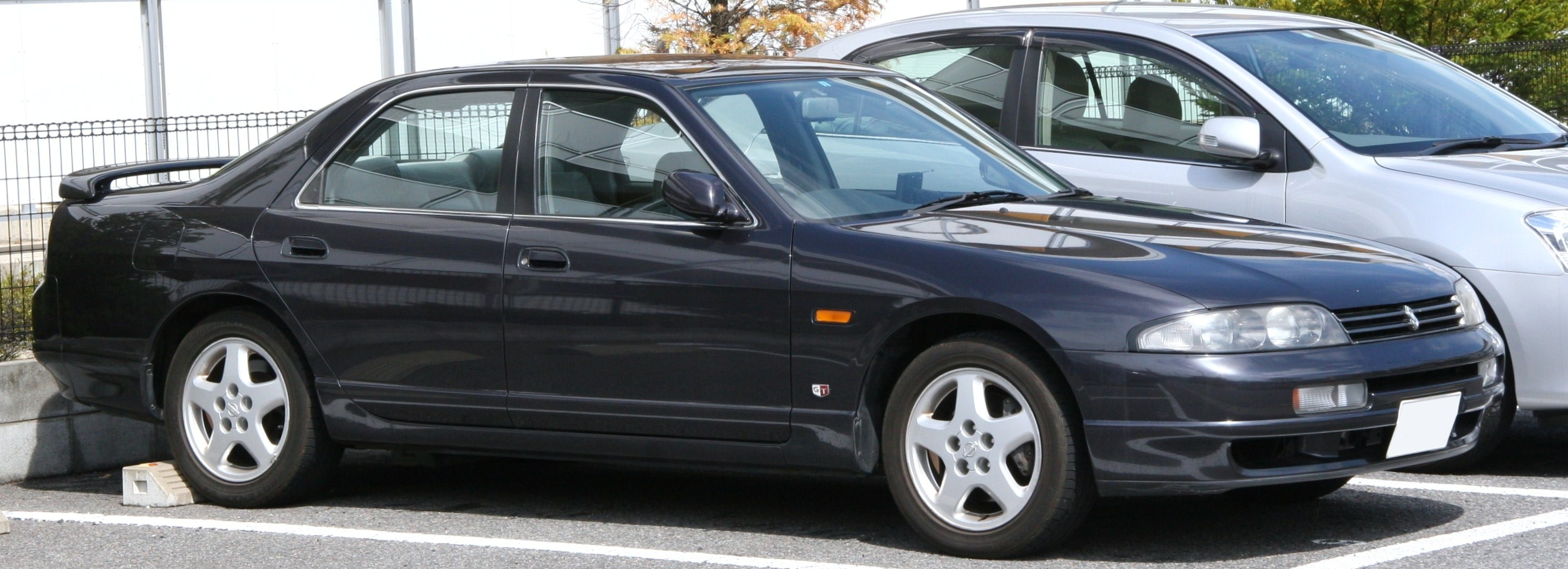 Nissan Skyline IX (R33) 1993 - 1998 Sedan #2