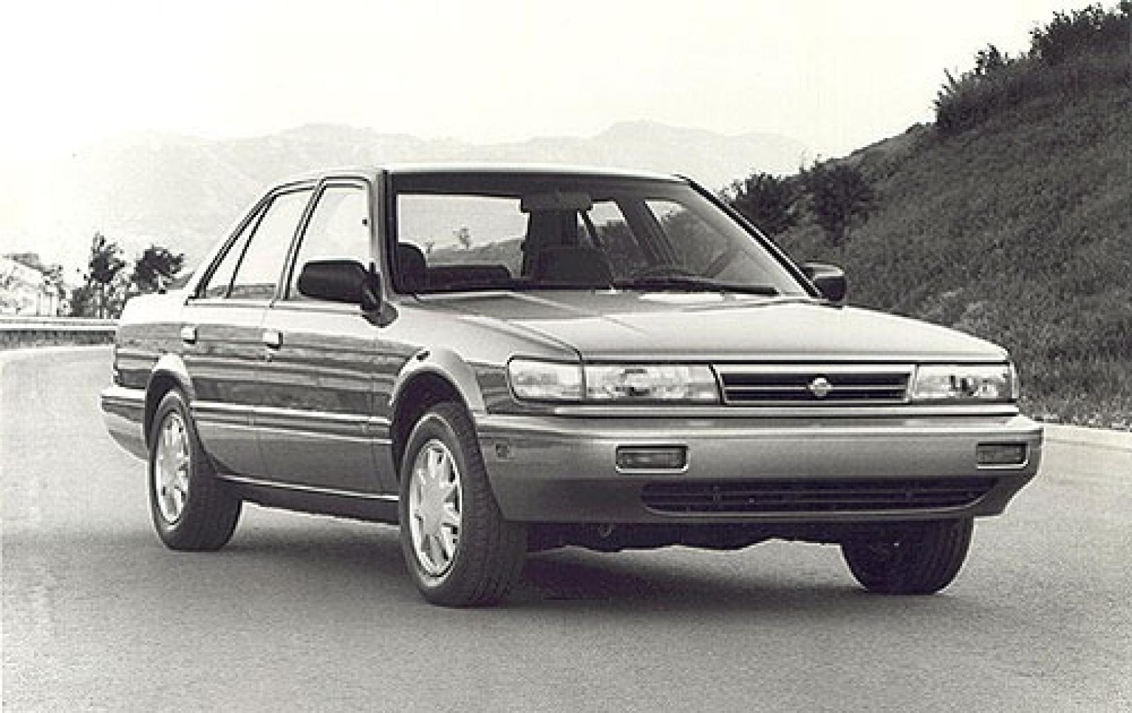 Nissan Stanza II (T12) 1986 - 1989 Sedan #1