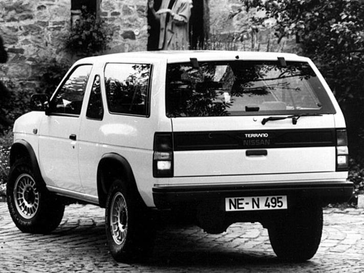 Nissan Terrano I 1986 - 1995 SUV 3 door #3