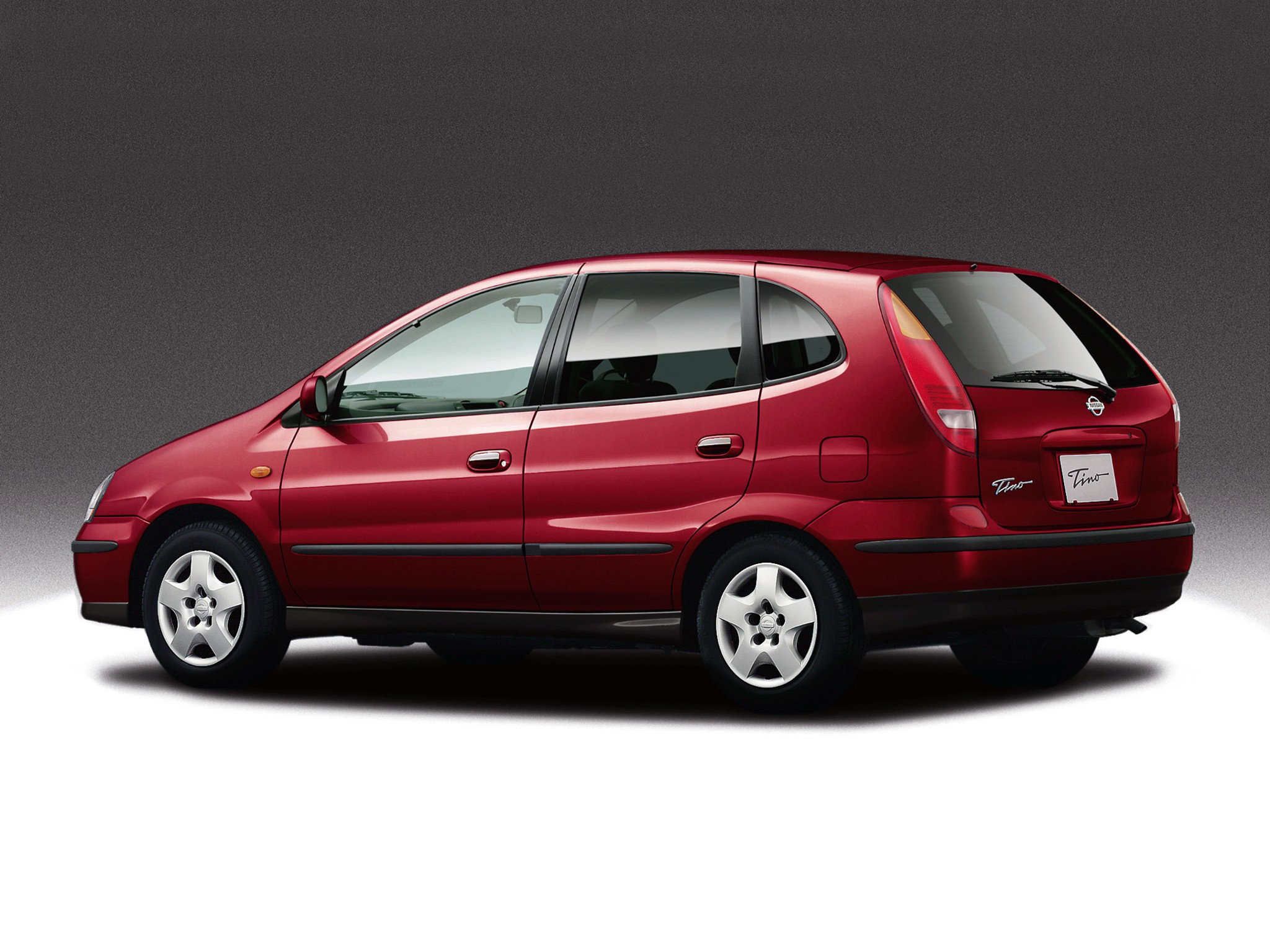 Nissan Tino 1998 - 2003 Compact MPV #6