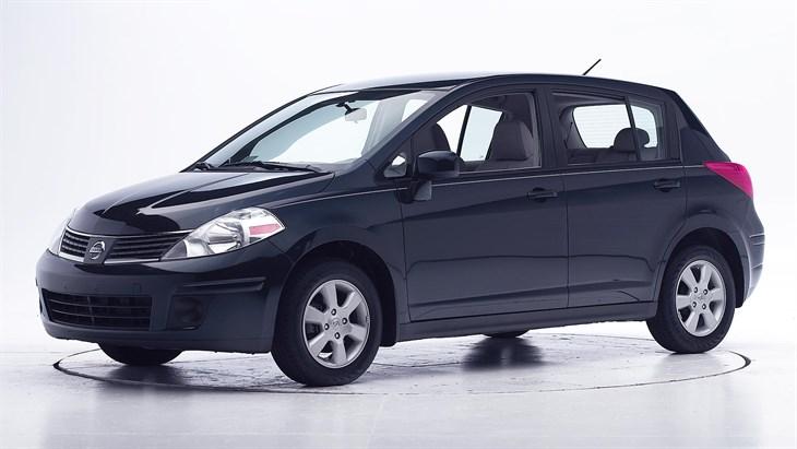 Nissan Versa I 2006 - 2012 Hatchback 5 door #4