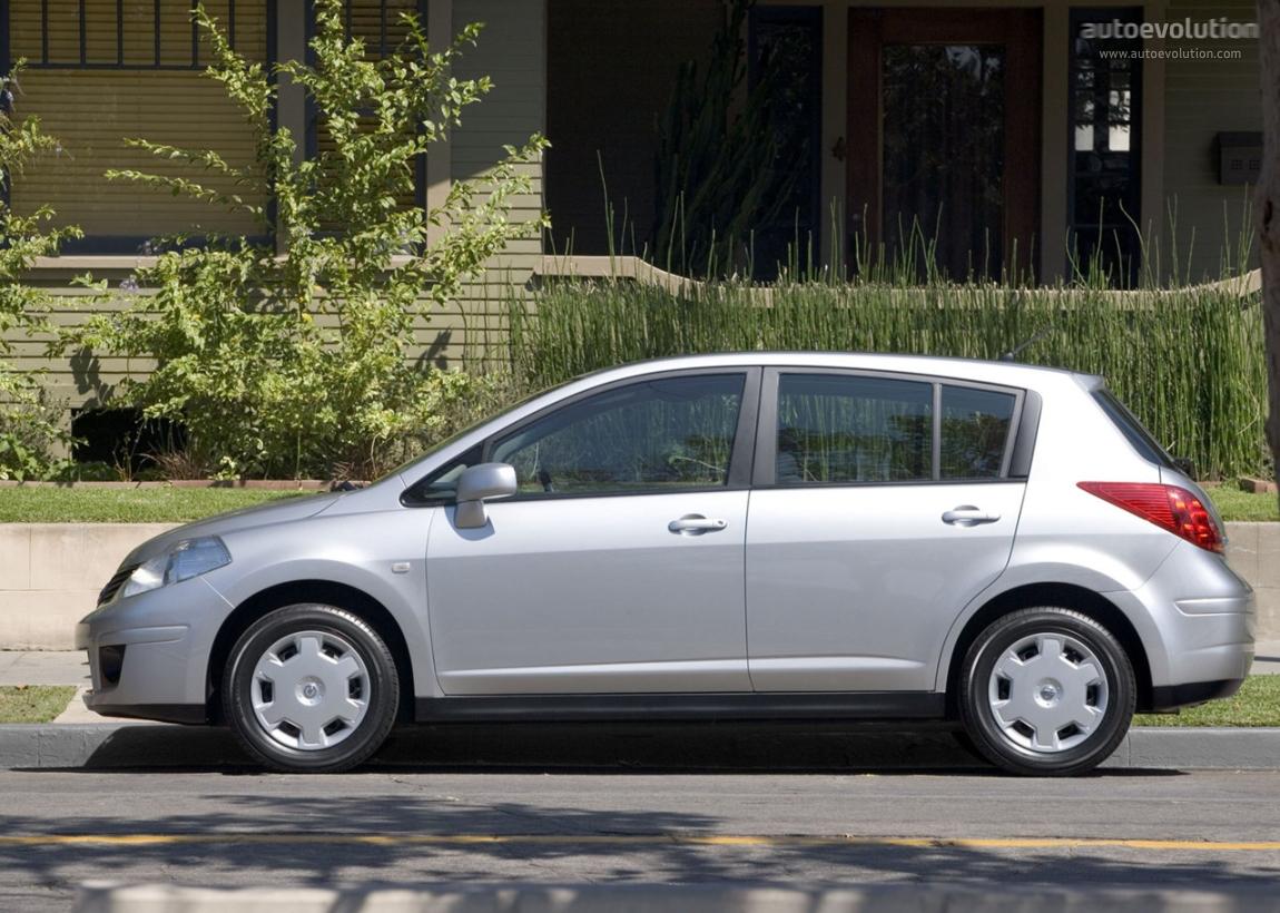 Nissan Versa I 2006 - 2012 Hatchback 5 door #3