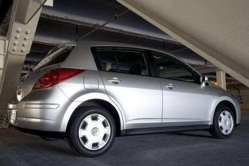 Nissan Versa I 2006 - 2012 Hatchback 5 door #1