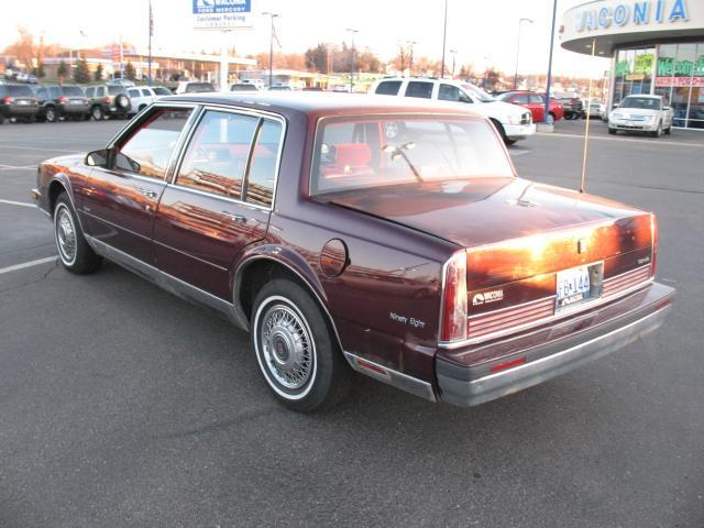 Oldsmobile Ninety-Eight X 1985 - 1990 Sedan #1