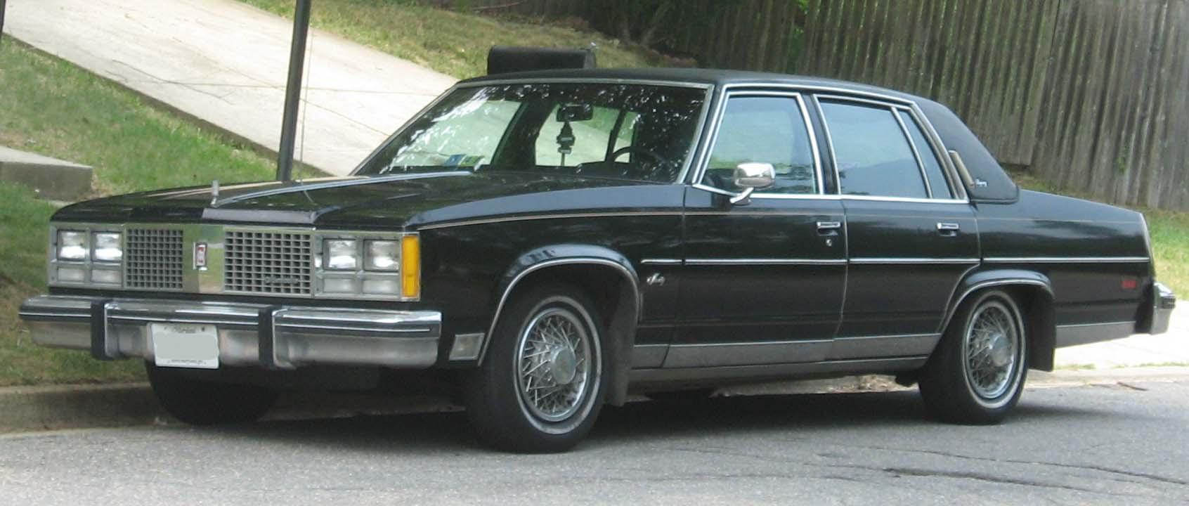 Oldsmobile Ninety-Eight IX 1977 - 1984 Sedan #1