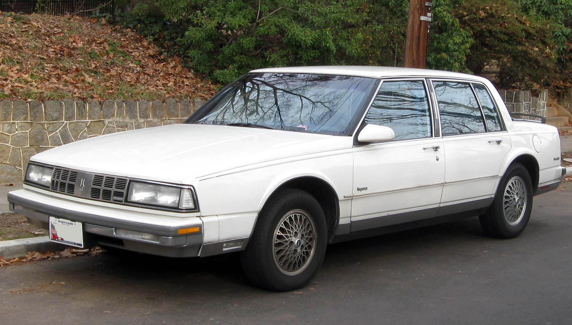 Oldsmobile Ninety-Eight X 1985 - 1990 Sedan #3