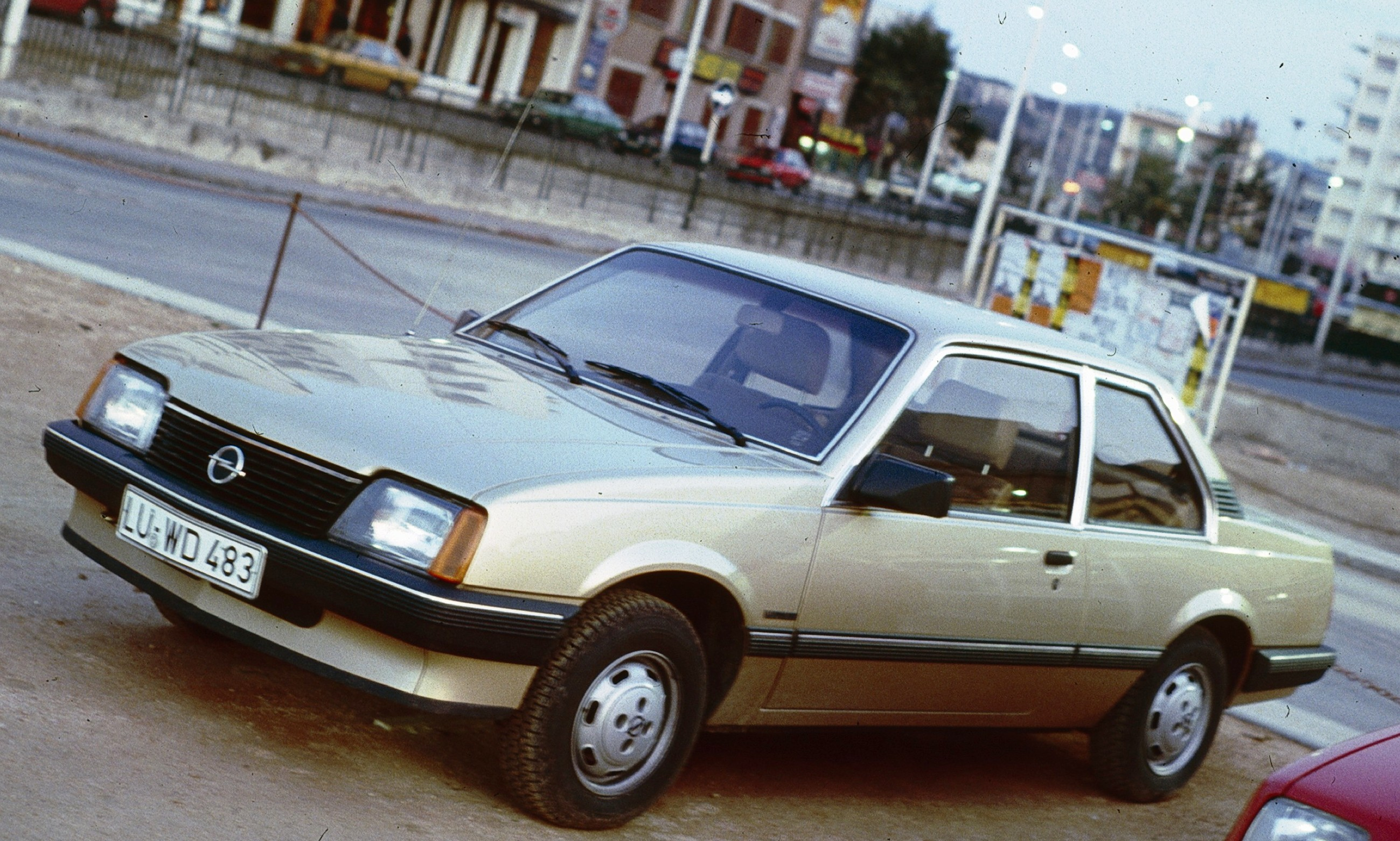 Opel Ascona C 1981 - 1988 Hatchback 5 door #1