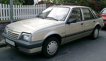 Opel Ascona C 1981 - 1988 Hatchback 5 door #4