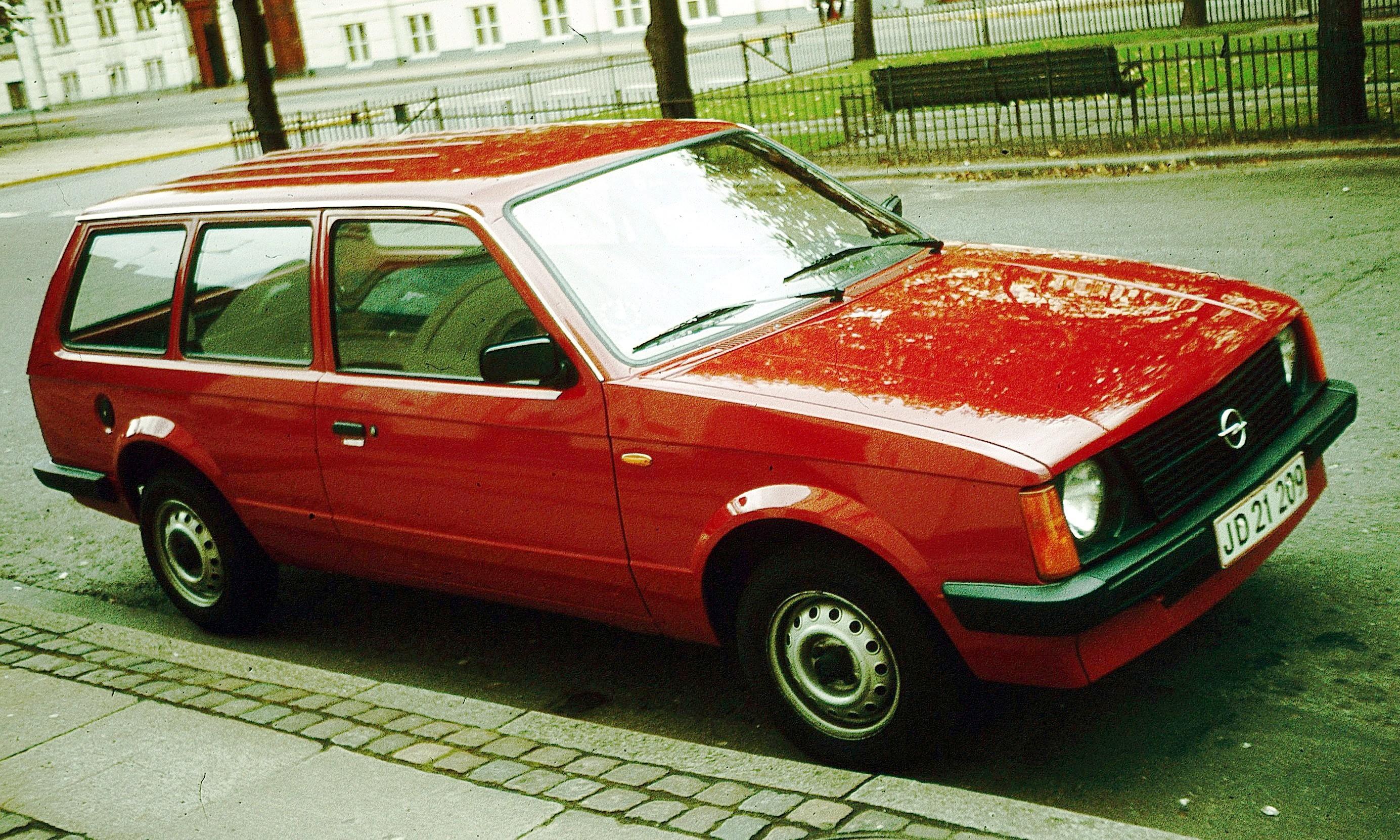 Opel Kadett D 1979 - 1984 Hatchback 3 door #1