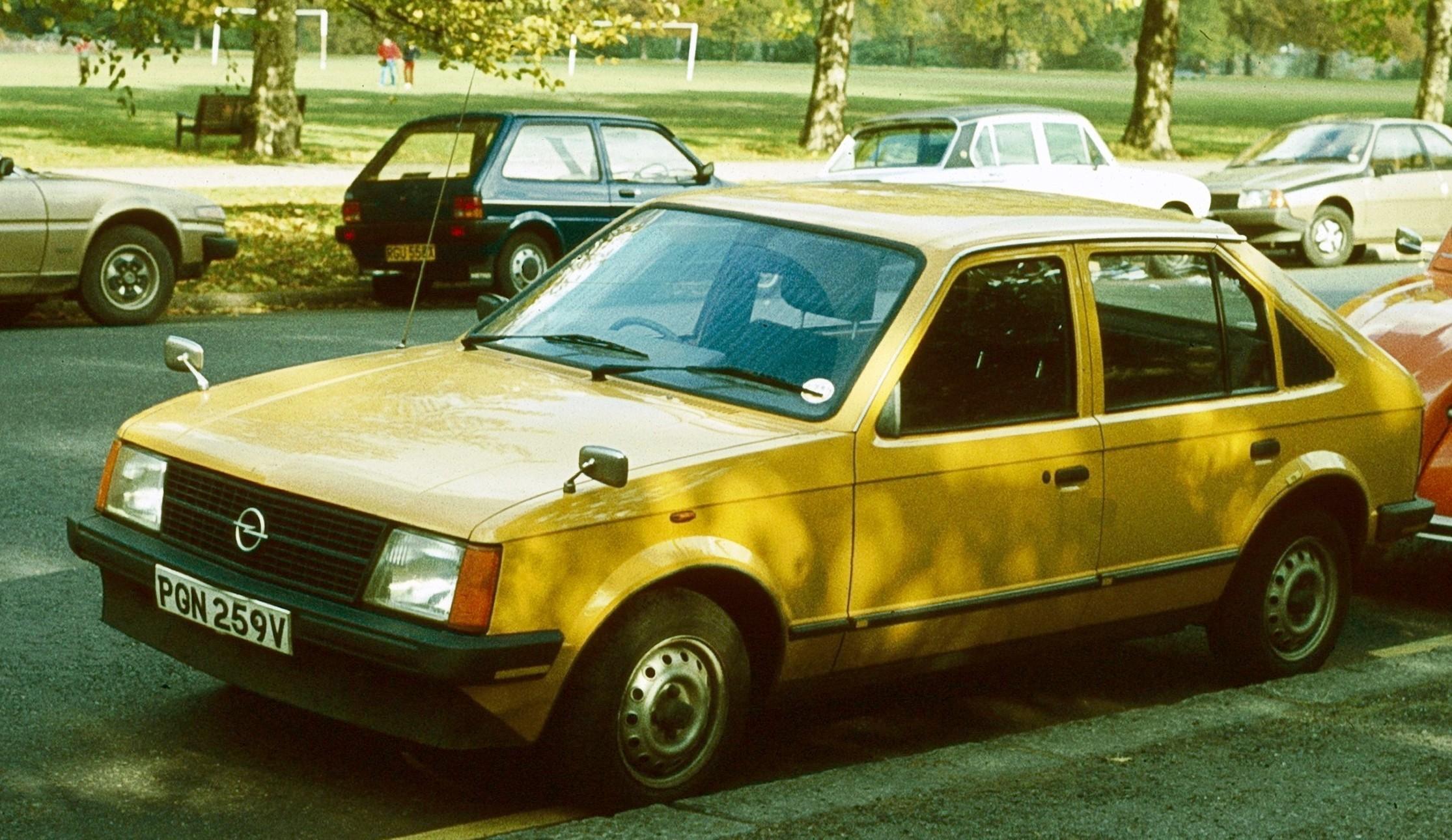 Vauxhall Astra D 1979 - 1984 Hatchback 3 door #2