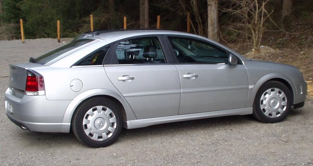Vauxhall Vectra C 2002 - 2009 Hatchback 5 door #1