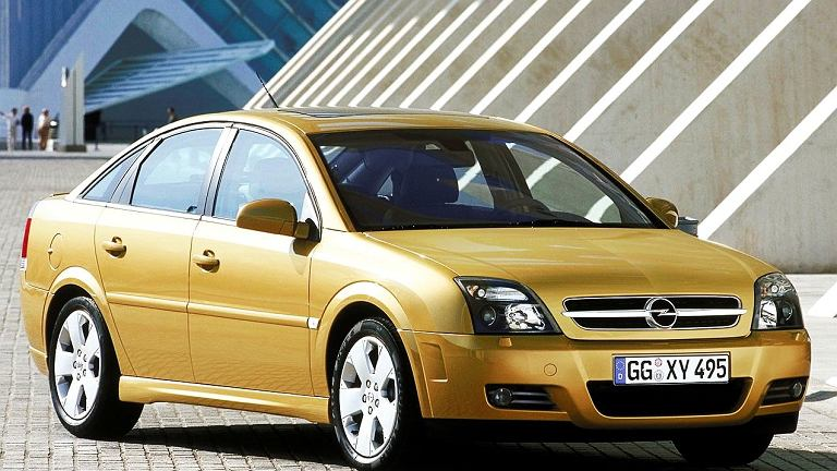Vauxhall Vectra C 2002 - 2009 Sedan #3