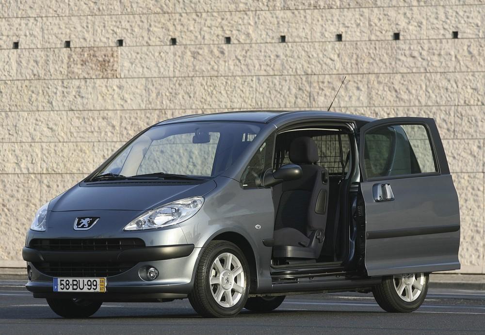 Peugeot 1007 2005 - 2009 Hatchback 3 door #1