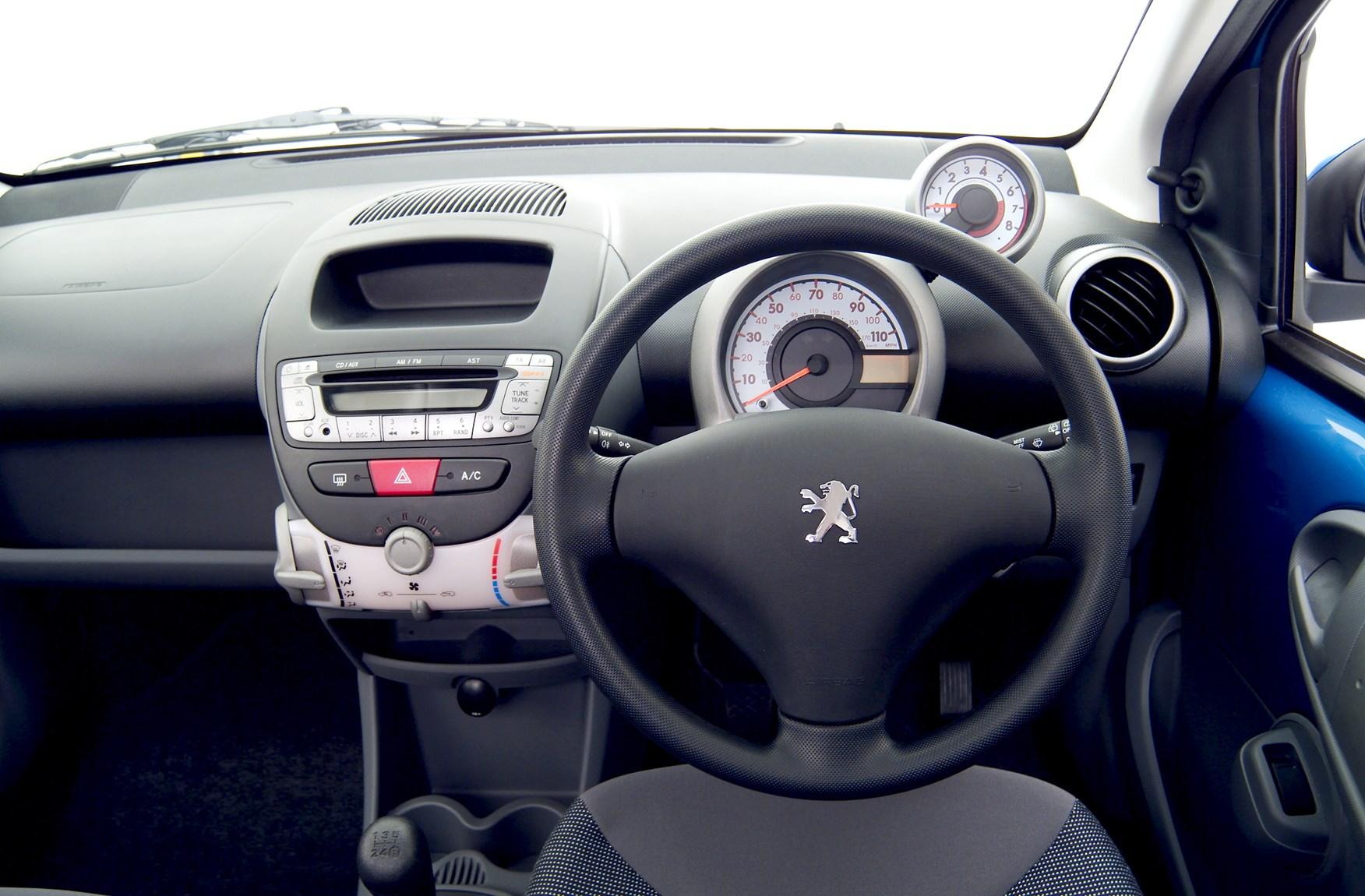 Peugeot 107 I 2005 - 2009 Hatchback 3 door #6