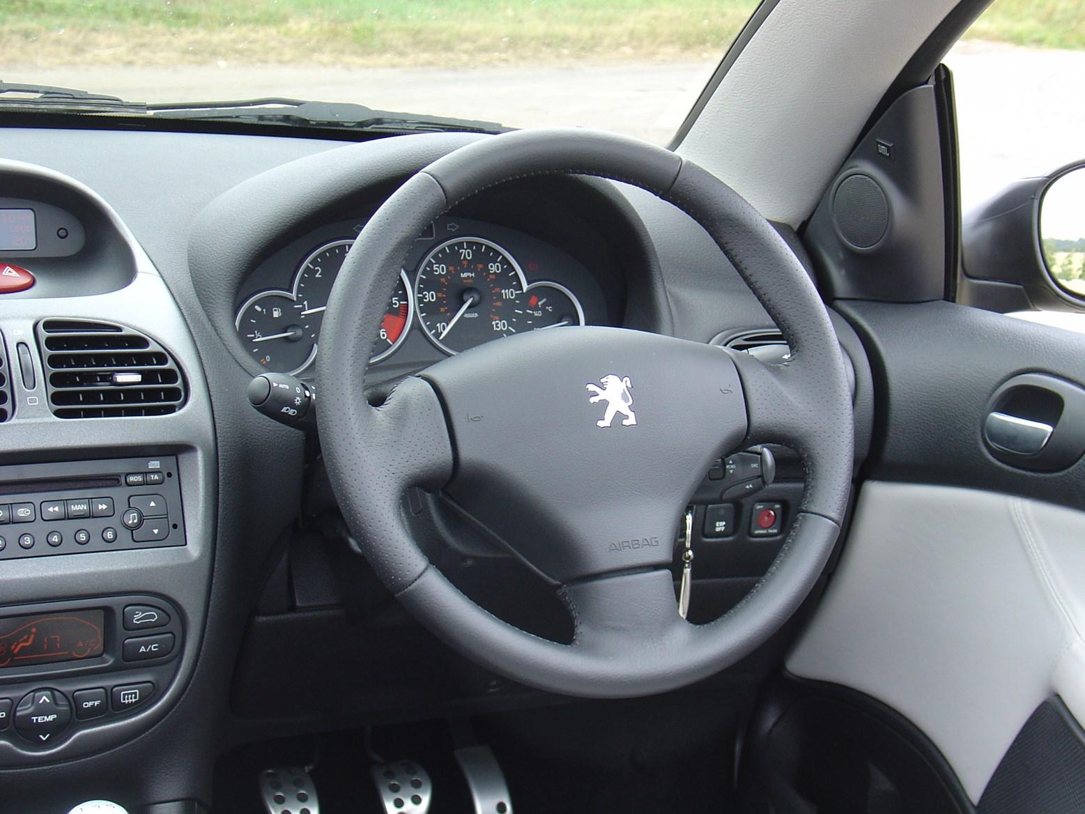 Peugeot 206 1998 - 2012 Cabriolet #6