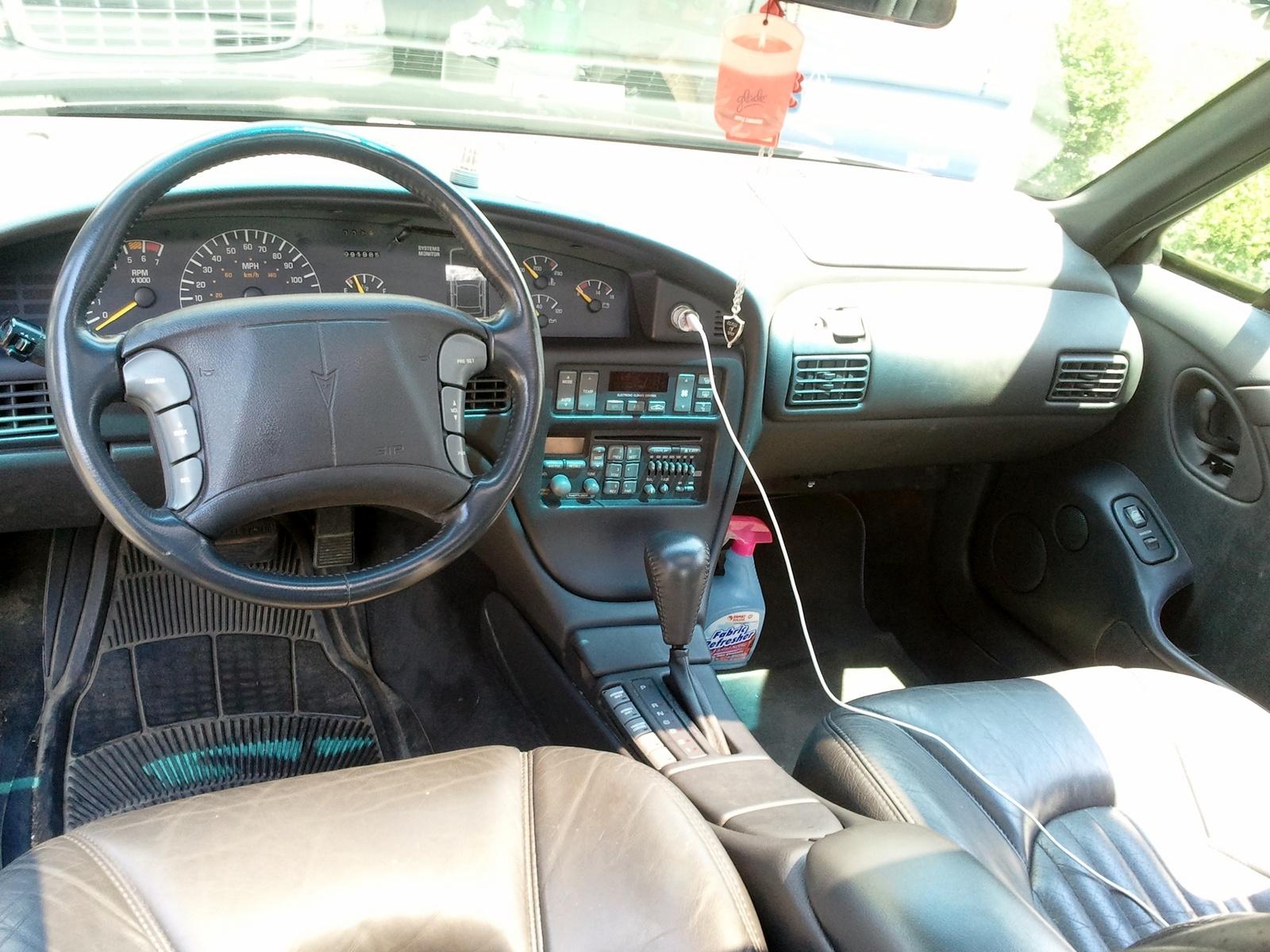 Pontiac Bonneville X 2000 - 2005 Sedan #7