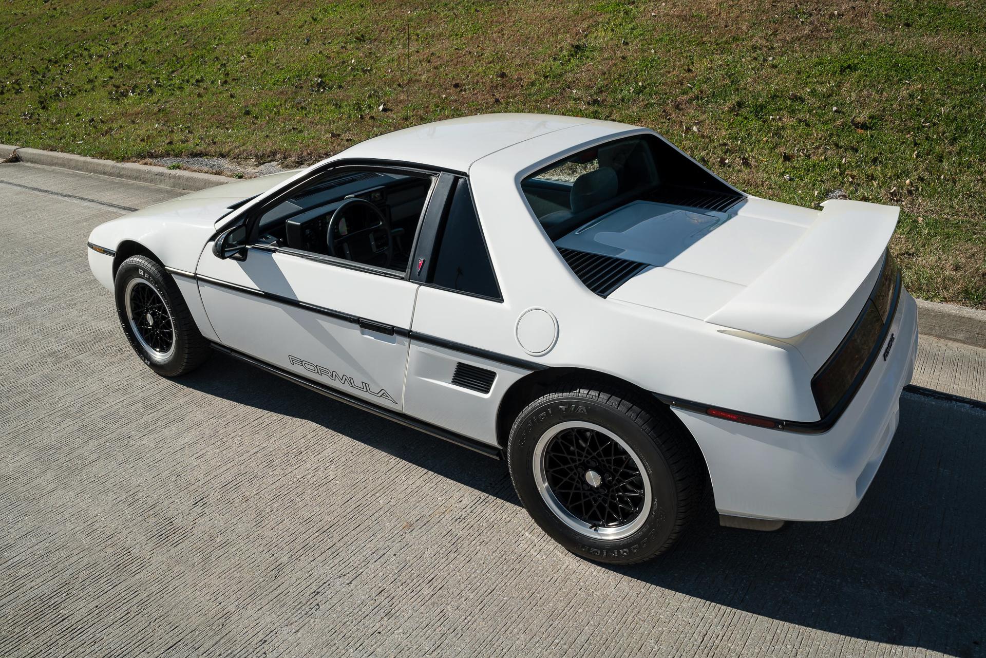 Pontiac Fiero 1984 - 1988 Hatchback 3 door #3