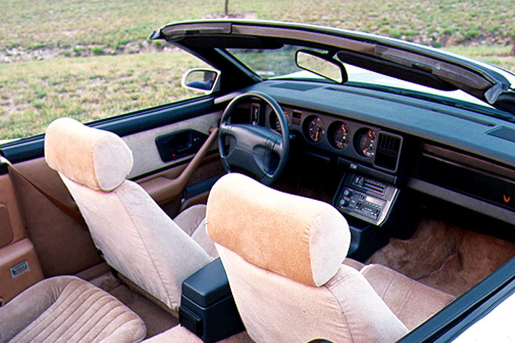 Pontiac Firebird III 1982 - 1992 Cabriolet #4