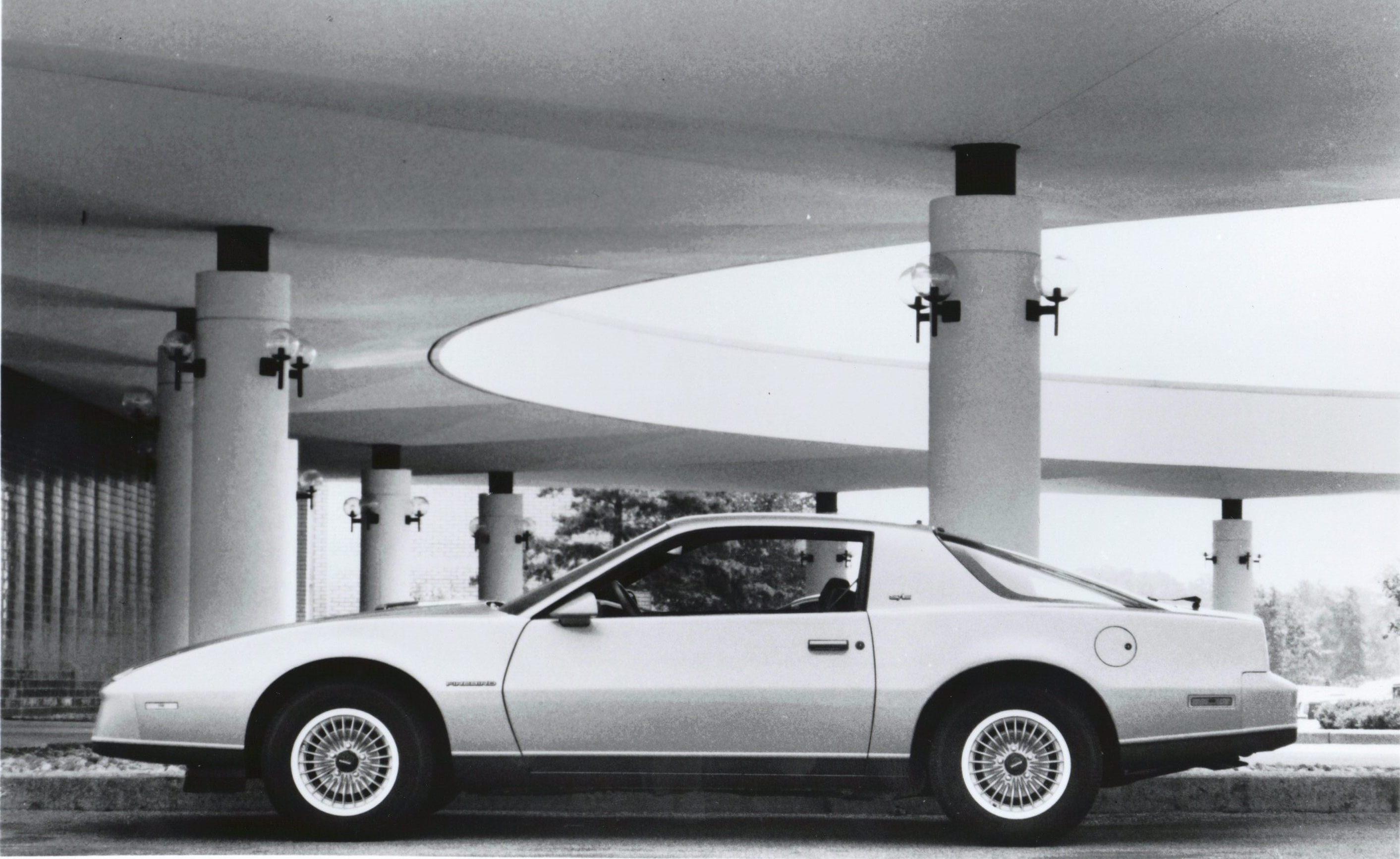 Pontiac Firebird III 1982 - 1992 Coupe #5