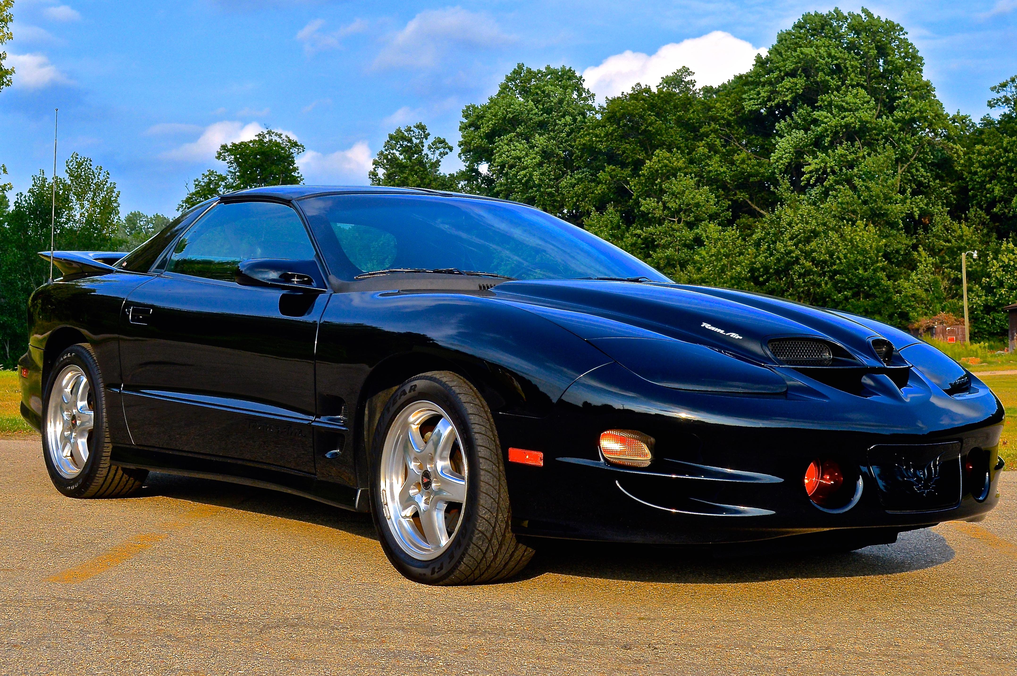 Pontiac Firebird IV 1993 - 2002 Coupe #4