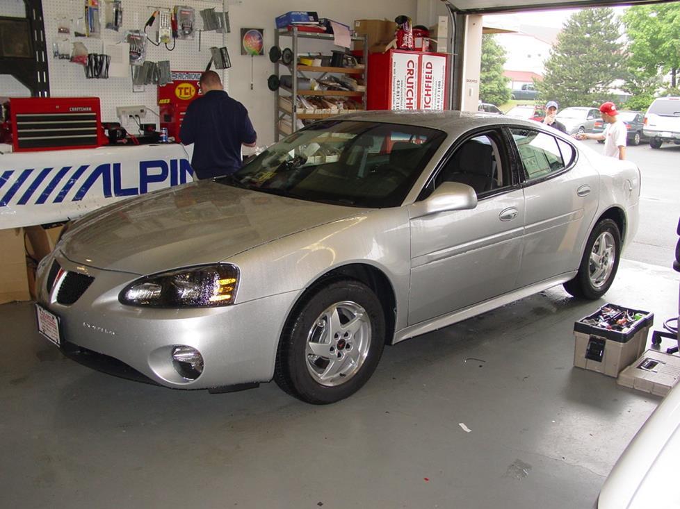 Pontiac Grand Prix VII 2004 - 2008 Sedan #3
