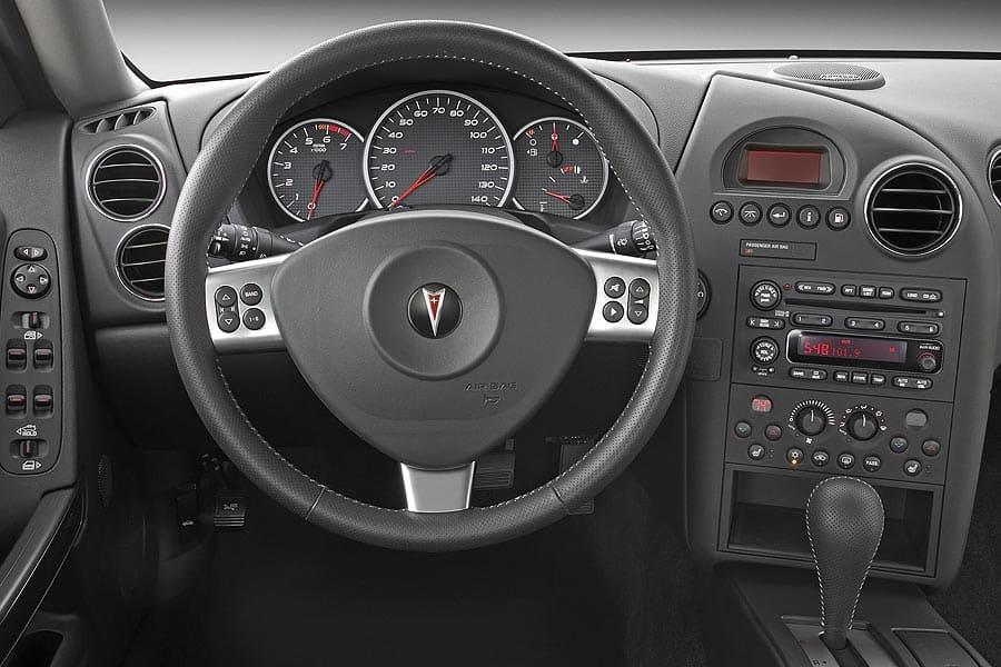 Pontiac Grand Prix VII 2004 - 2008 Sedan #8