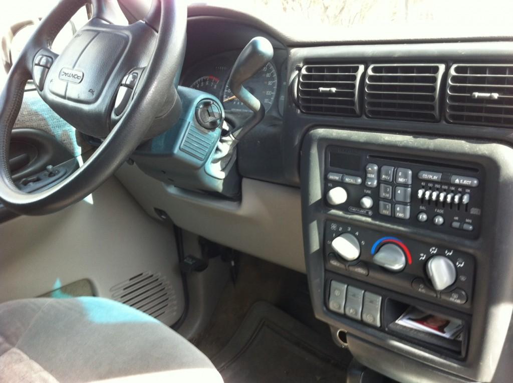 Pontiac Montana I 1997 - 2005 Minivan #7