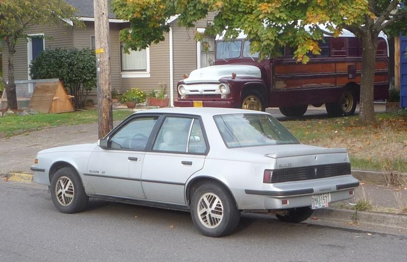 Pontiac Sunbird II 1981 - 1988 Coupe #7