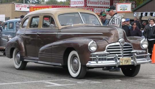 Pontiac Torpedo I 1939 - 1948 Sedan #3