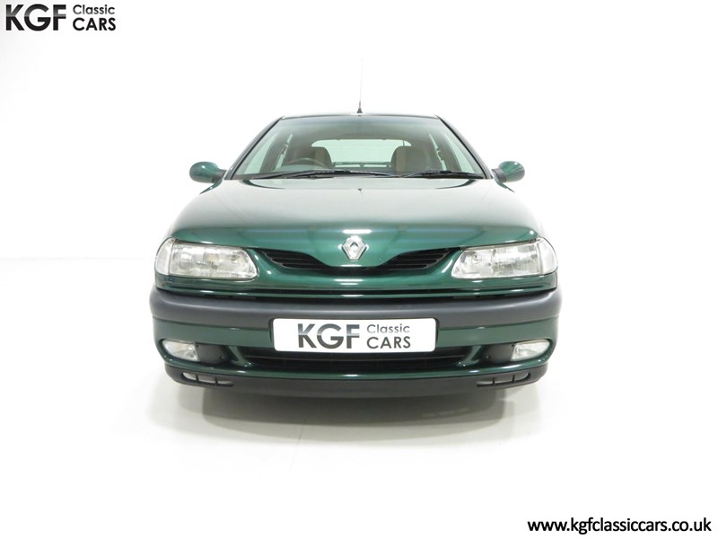 Renault Laguna I 1993 - 2001 Liftback #2