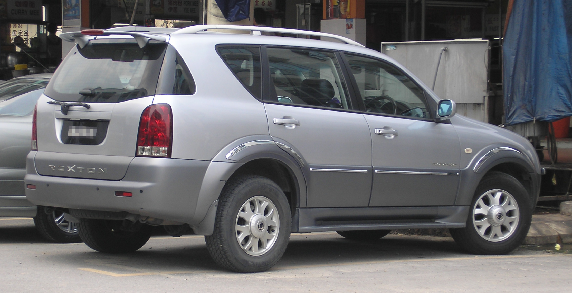 SsangYong Rexton I 2002 - 2006 SUV 5 door #6