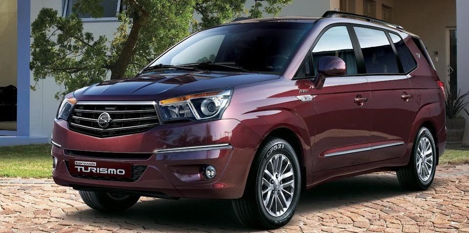SsangYong Stavic 2013 - now Minivan #4