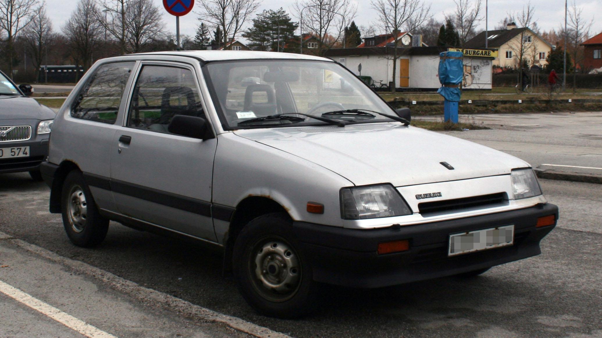 Suzuki Swift II Restyling 1995 - 2003 Hatchback 3 door #2