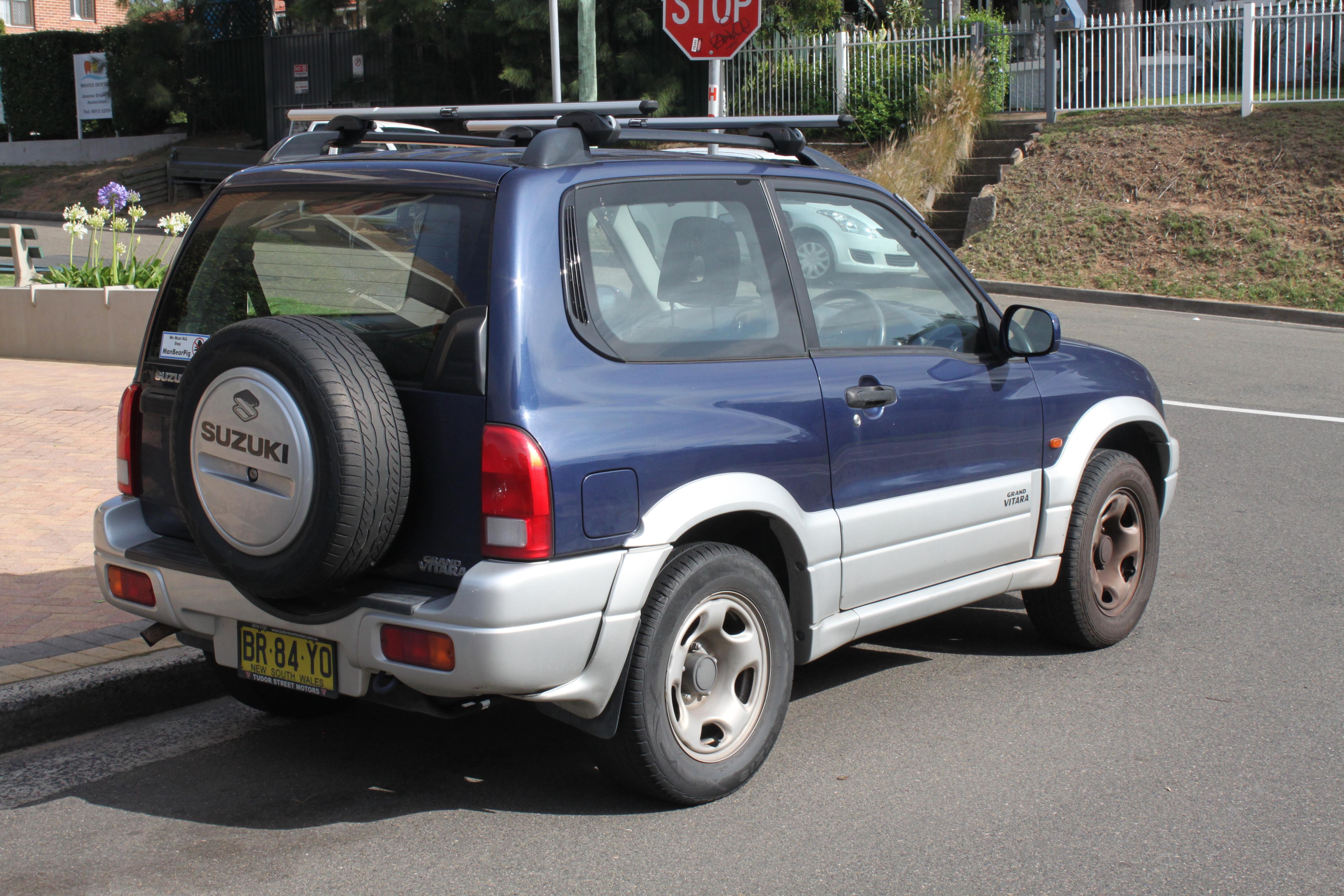 Suzuki Jimny III 1998 - 2005 SUV 3 door #5