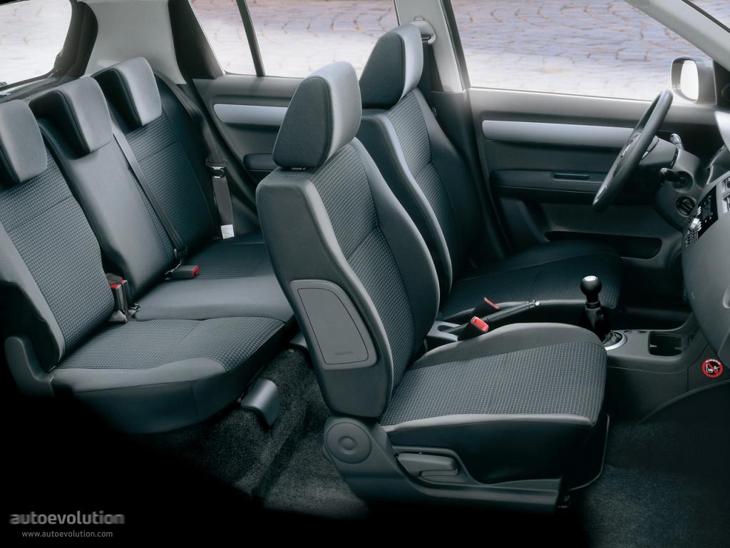 Suzuki Swift I (Japan) 2000 - 2004 Hatchback 5 door #6