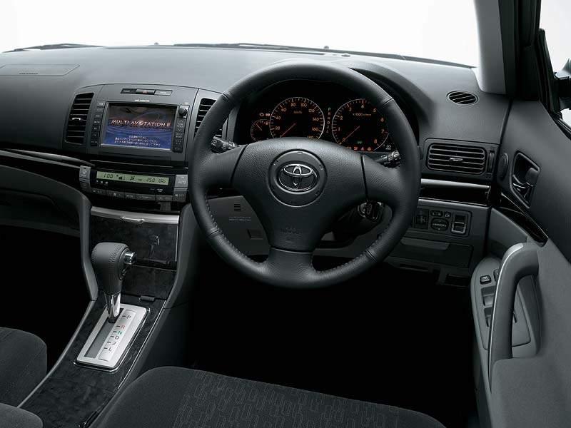 Toyota Allion I 2001 - 2004 Sedan #1