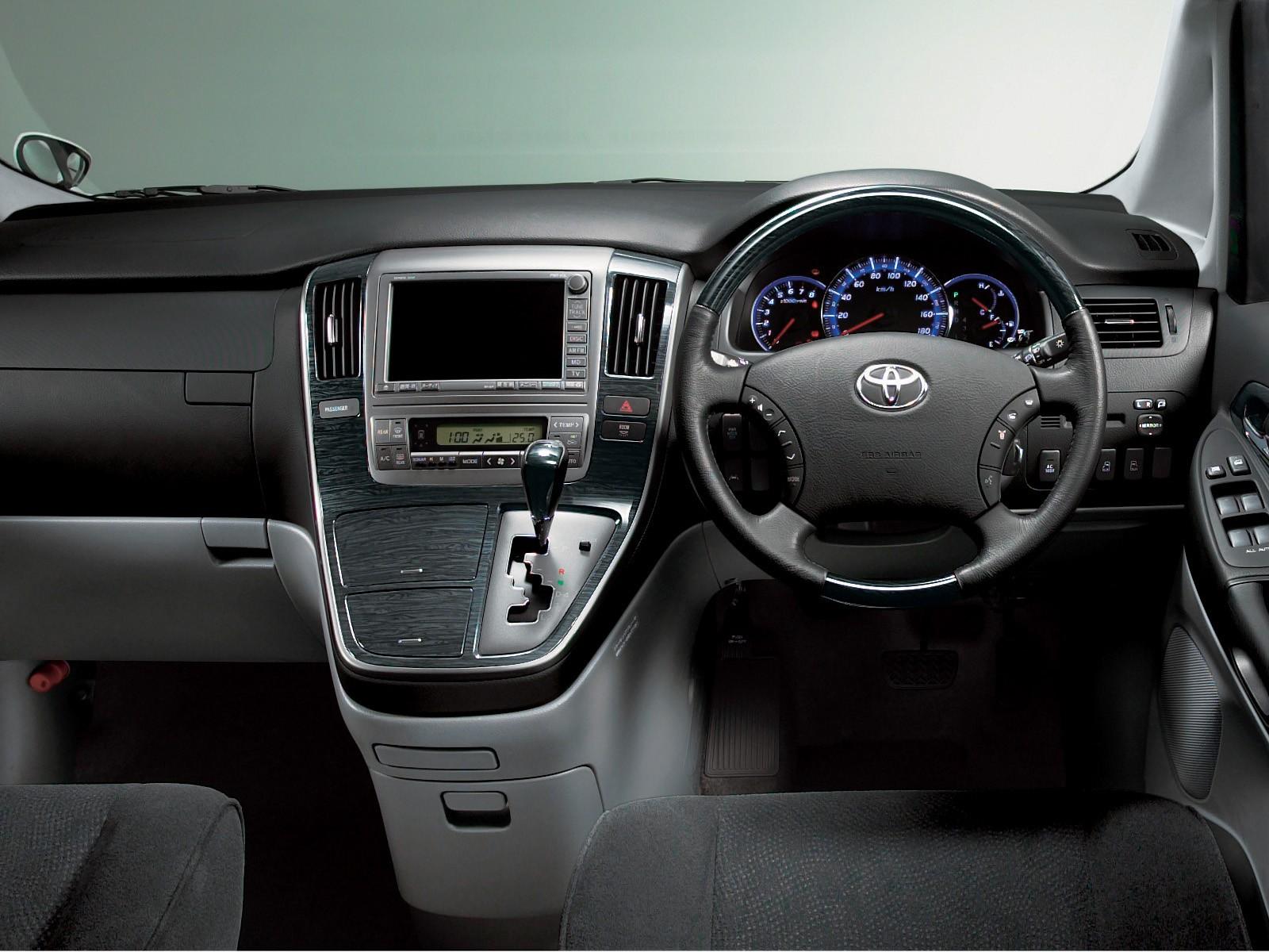 Toyota Alphard I 2002 - 2005 Minivan #4
